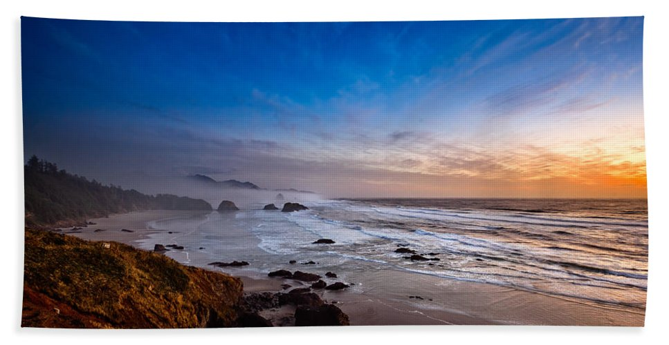 Sunset Hand Towel featuring the photograph Ecola State Park At Sunset by Ian Good