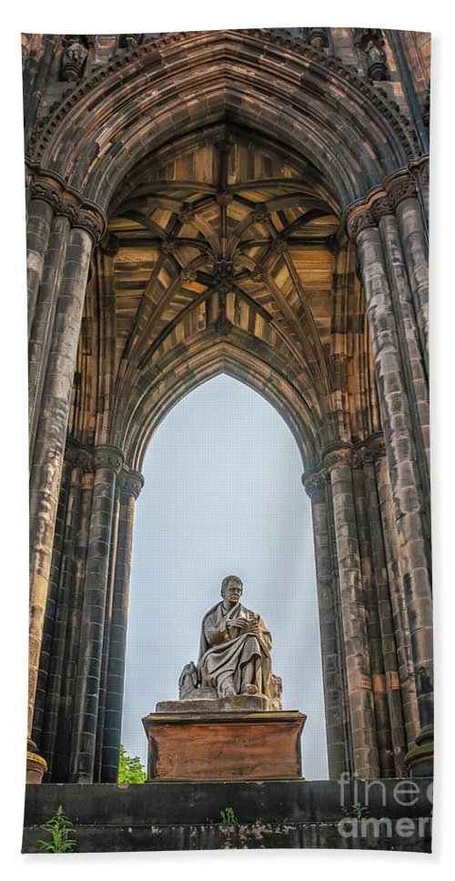 Edinburgh Hand Towel featuring the photograph Edinburgh Sir Walter Scott Monument by Antony McAulay