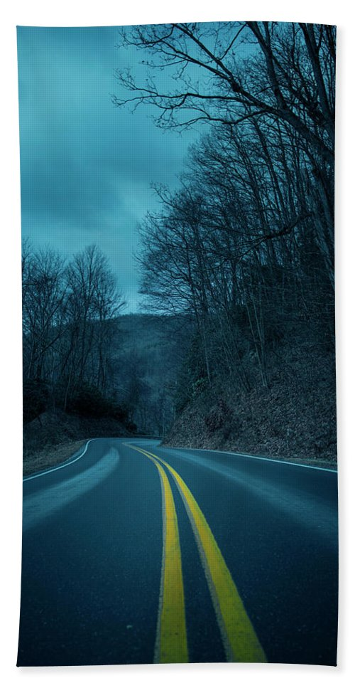 Bath Towel featuring the photograph Eerie Road by Michael Rivera
