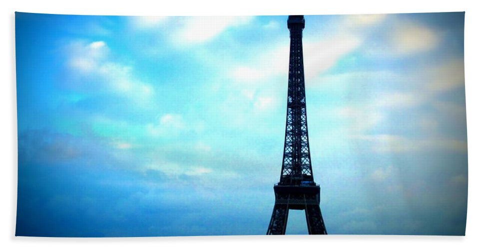 eiffel Tower Hand Towel featuring the photograph Eiffel Tower by Jo Hoden
