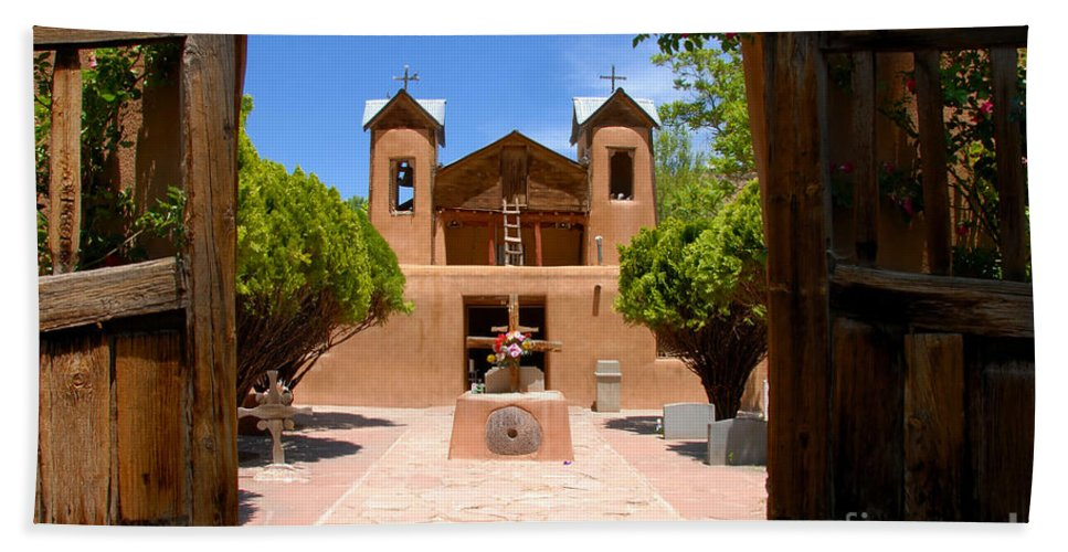 El Santuario De Chimayo Bath Sheet featuring the photograph El Santuario De Chimayo by David Lee Thompson