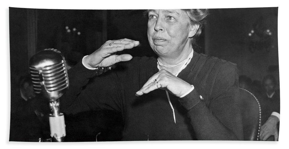 1940s Hand Towel featuring the photograph Eleanor Roosevelt At Hearing by Underwood Archives