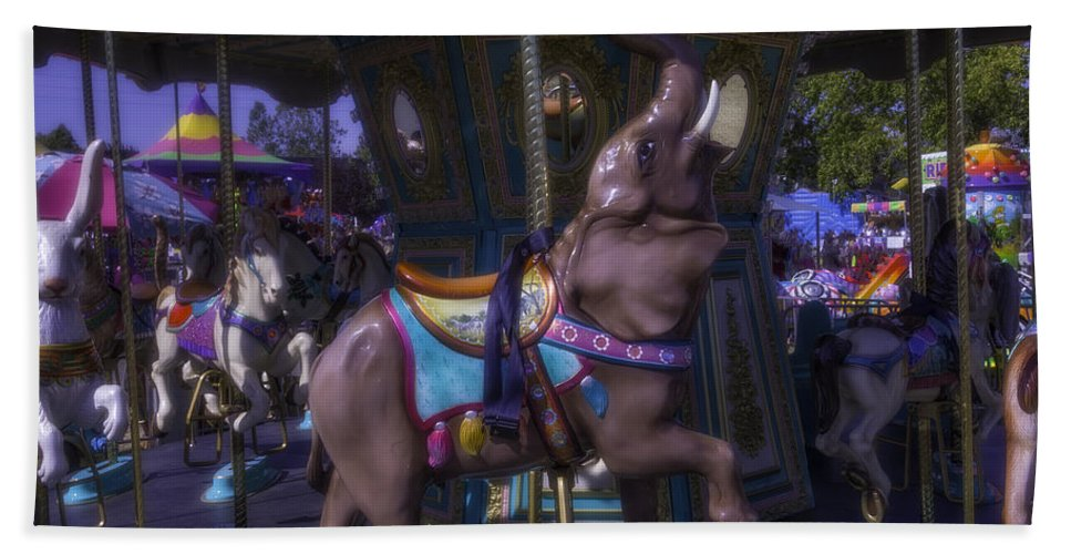 American Hand Towel featuring the photograph Elephant Ride At The Fair by Garry Gay