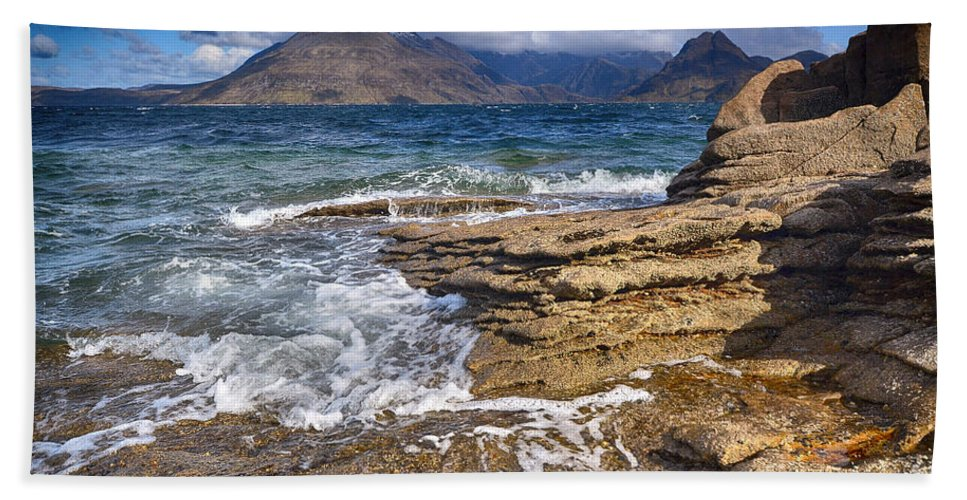Elgol Bath Towel featuring the photograph Elgol, Isle Of Skye by Smart Aviation