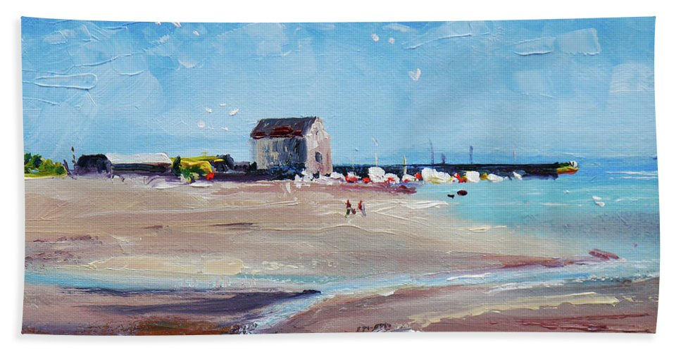 Elie Beach Hand Towel featuring the painting Elie Beach 2018 Oil by Peter Tarrant