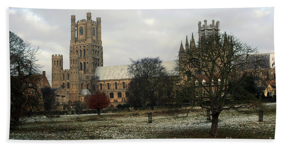 United Kingdom Bath Sheet featuring the photograph Ely Cambridgeshire, Uk. Ely Cathedral by Richard Wareham