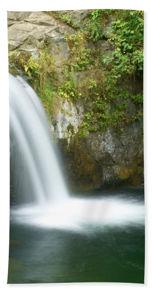 Waterfall Hand Towel featuring the photograph Emerald Falls by Marty Koch