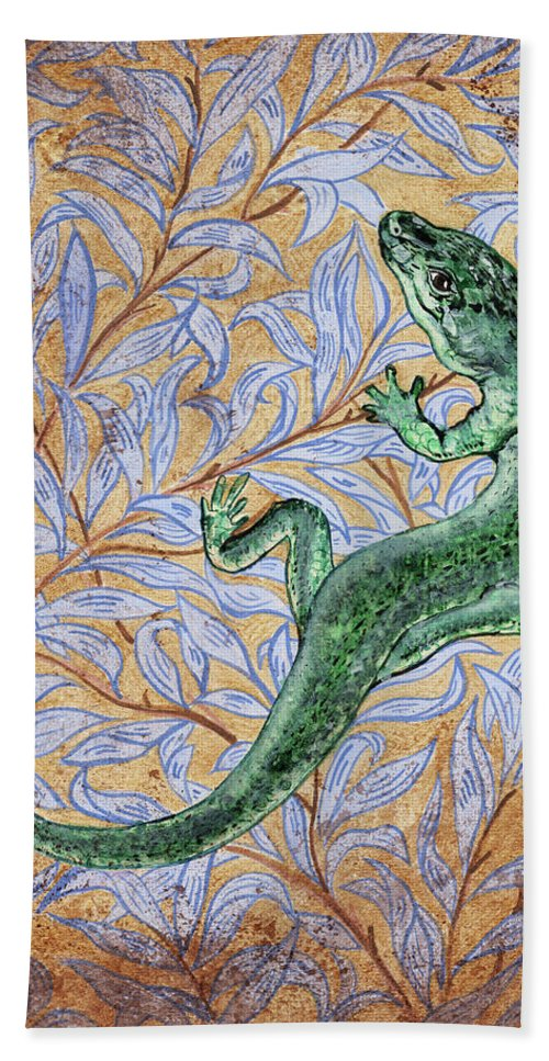Lizard Hand Towel featuring the painting Emerald Lizard by Anna Collevecchio