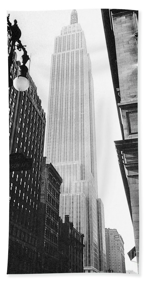 1931 Hand Towel featuring the photograph Empire State Building, 1931 by Granger