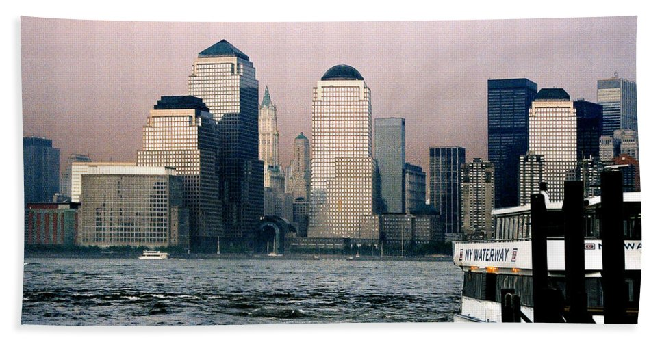 New York Bath Towel featuring the photograph Empty Sky by Steve Karol
