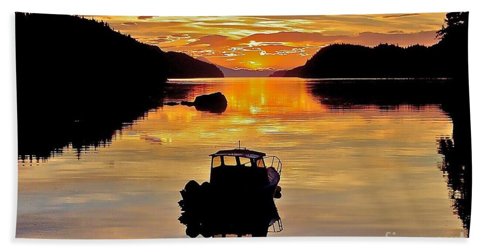 Boat Bath Towel featuring the photograph End Of The Day by Rick Monyahan