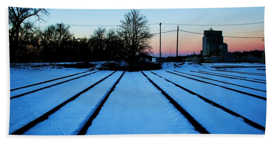 Sunset Bath Towel featuring the photograph End Of The Tracks by Angus Hooper Iii