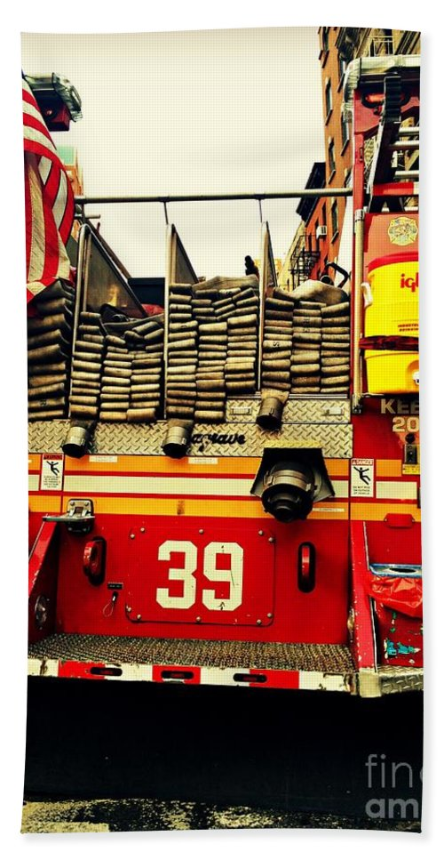 Fire Engine Hand Towel featuring the photograph Engine 39 - New York City Fire Truck by Miriam Danar