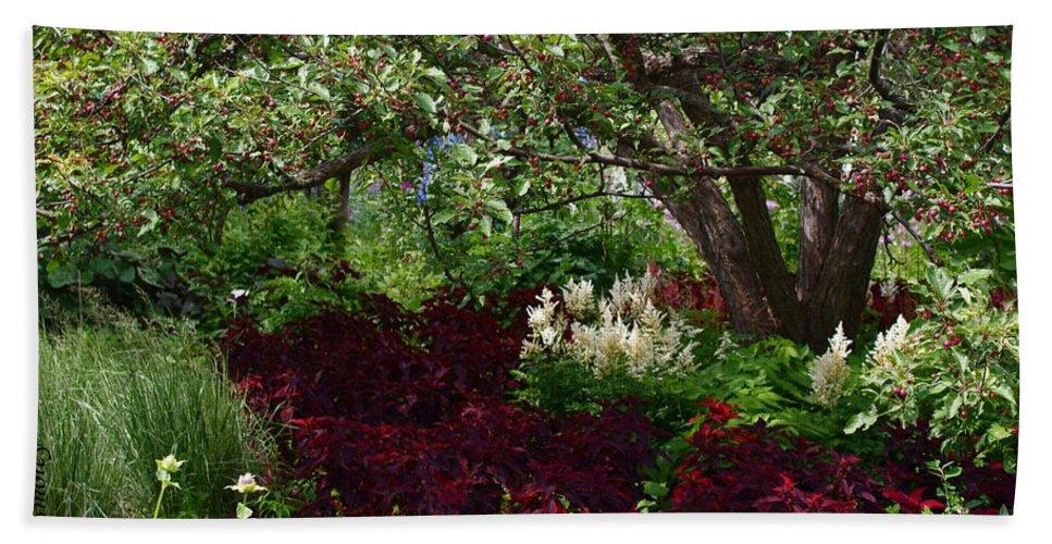 English Garden Assiniboine Park Winnipeg Bath Sheet featuring the photograph English Garden by Joanne Smoley