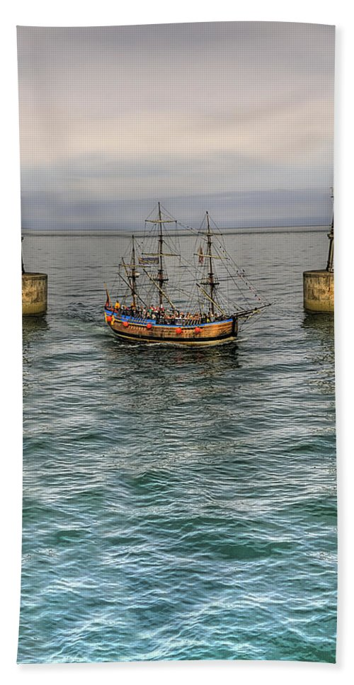 Pier Hand Towel featuring the photograph Entering by Svetlana Sewell