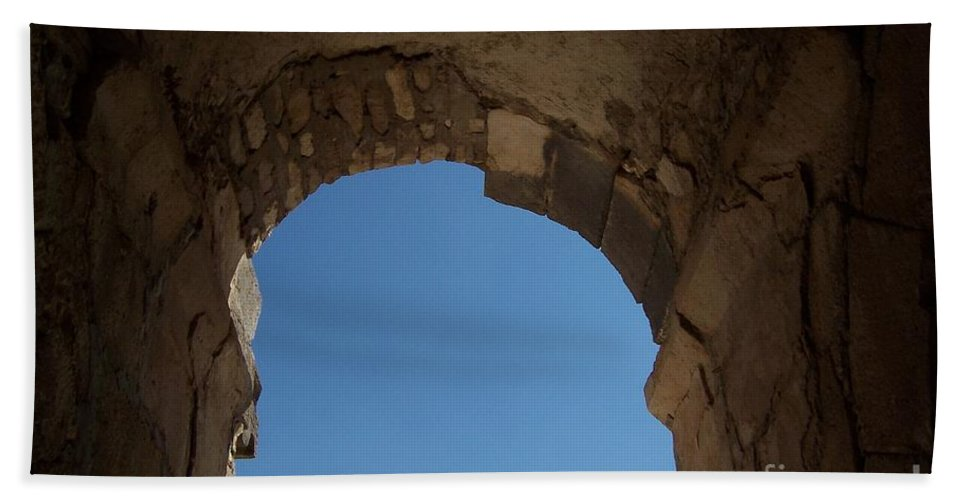 Arch Hand Towel featuring the photograph Entrada by Jennifer Diaz