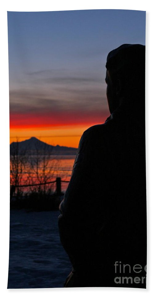 Silhouette Bath Towel featuring the photograph Eternal Sunset by Rick Monyahan