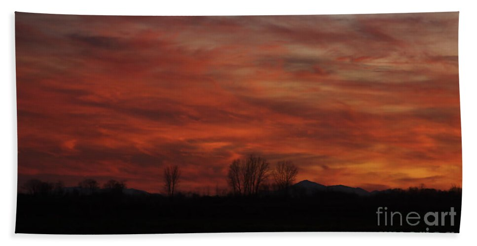 Sunset Hand Towel featuring the photograph Evening In Red by Deborah Benoit