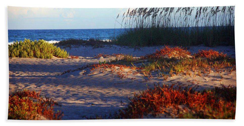 Beach Bath Sheet featuring the photograph Evening Light At The Beach by Susanne Van Hulst