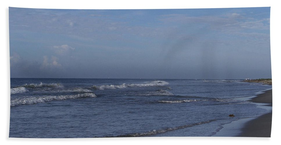 Ocean Hand Towel featuring the photograph Evening On The Beach by Teresa Mucha