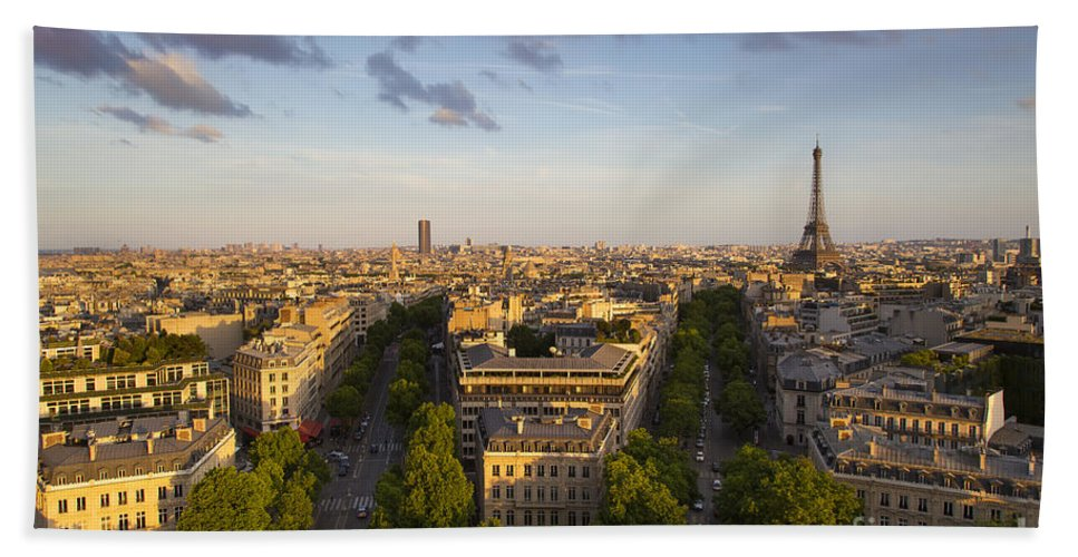 Architecture Hand Towel featuring the photograph Evening Over Paris by Brian Jannsen