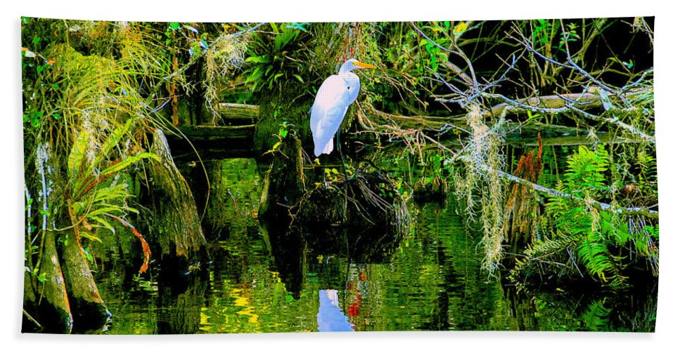 Everglades Bath Sheet featuring the painting Everglades Egret by David Lee Thompson