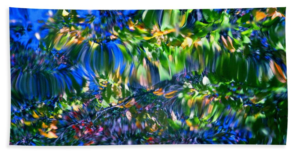 Water Hand Towel featuring the photograph Faerie Frenzy by Sybil Staples