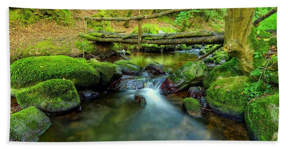 Fairy Hand Towel featuring the photograph Fairy Glen Bridge by Joe Ormonde