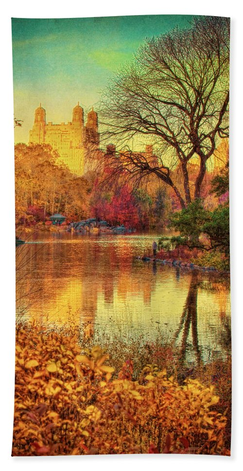 New York Hand Towel featuring the photograph Fall Afternoon In Central Park by Chris Lord