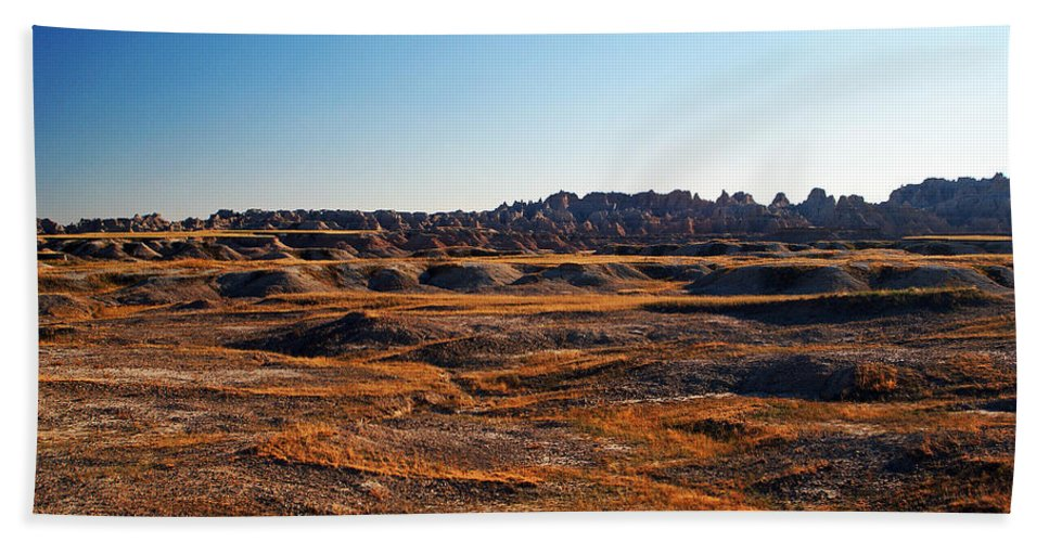Landscape Hand Towel featuring the photograph Fall Color In The Badlands by Glenn W Smith