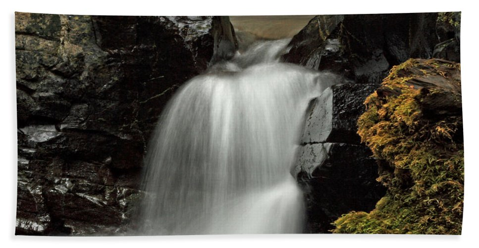 Clearwater Falls Bath Sheet featuring the photograph Fall Creek Falls 5 by Ingrid Smith-Johnsen