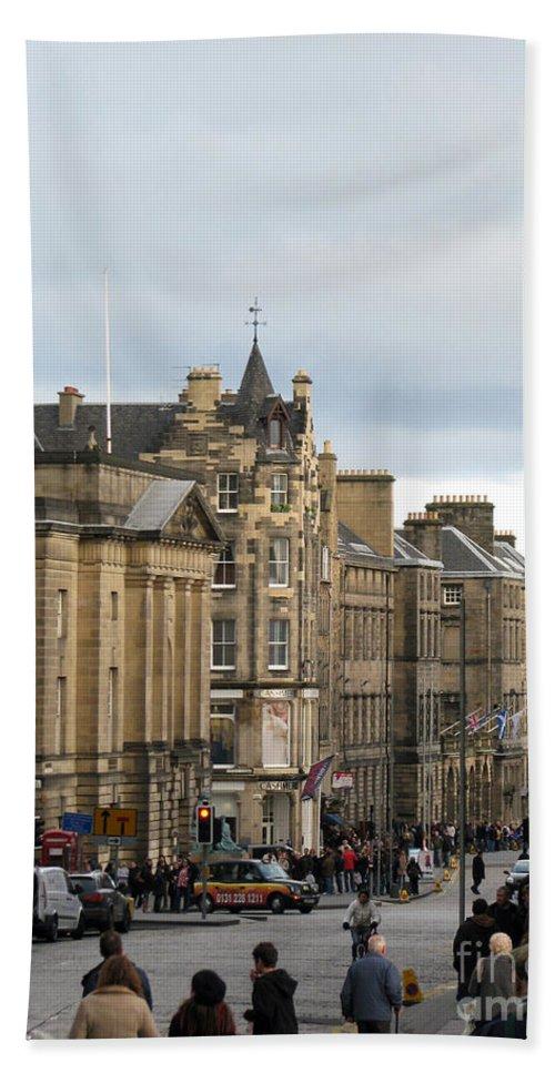 Edinburgh Hand Towel featuring the photograph Fall Day In Edinburgh by Amanda Barcon