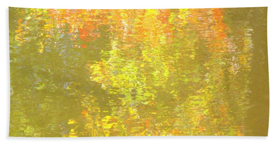 Water Hand Towel featuring the photograph Fall Impressions by Sybil Staples