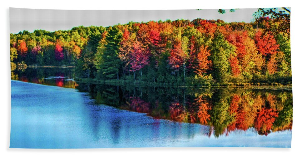 Fall Hand Towel featuring the photograph Fall On The Lake In Wisconsin by Tommy Anderson