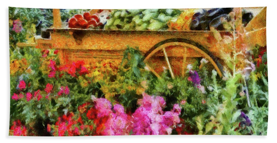 Savad Bath Sheet featuring the photograph Farm - Food - At The Farmers Market by Mike Savad