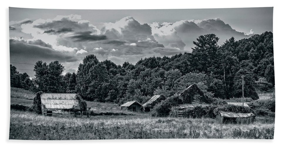 Farm Hand Towel featuring the photograph Farm On The Blue Ridge by Rodney Cammauf