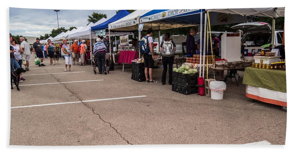 Cedar Park Hand Towel featuring the photograph Farmers Market Before The Crowd by JG Thompson