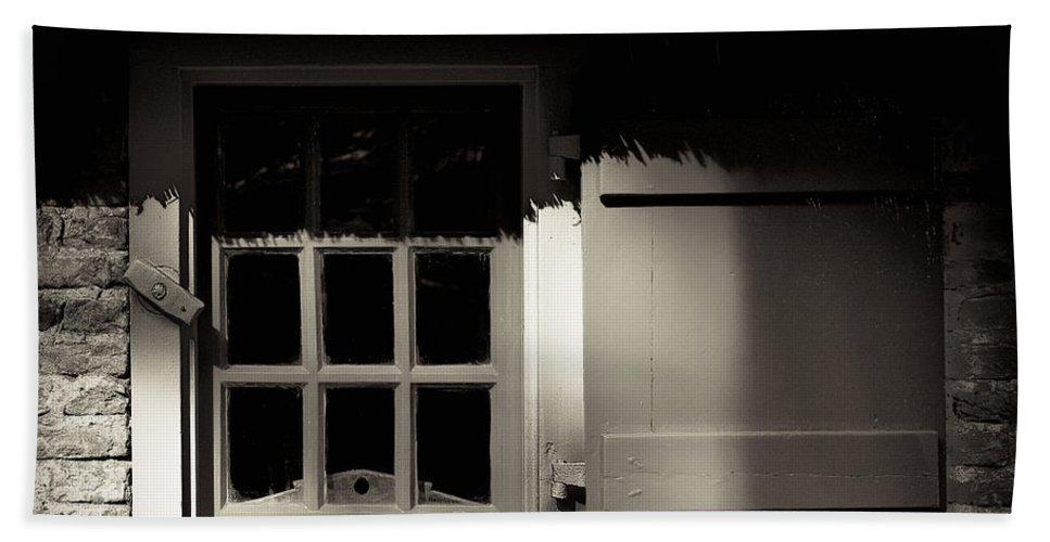 Dutch Bath Towel featuring the photograph Farmhouse Window by Dave Bowman