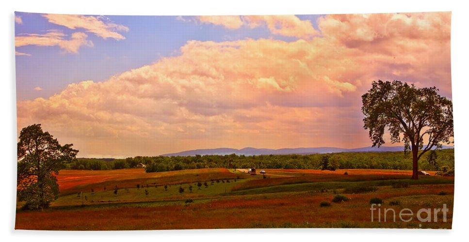 Farm Hand Towel featuring the photograph Farmland In Gettysburg by Madeline Ellis