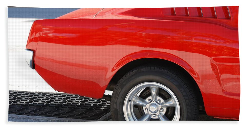 Ford Hand Towel featuring the photograph Fastback Mustang by Rob Hans