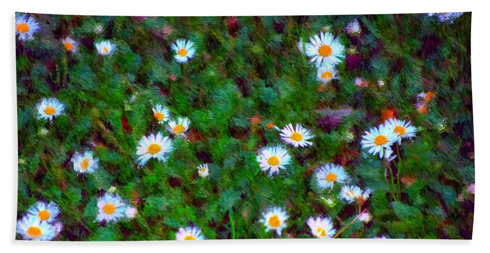 Digital Photograph Hand Towel featuring the photograph Field Of Daisys by David Lane