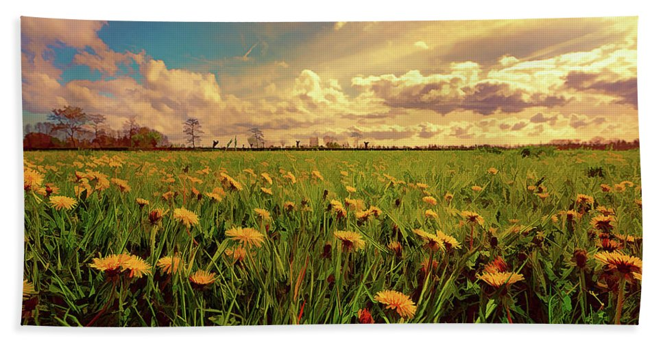 Field Hand Towel featuring the painting Field Of Dandelions At Sunset by Elaine Plesser