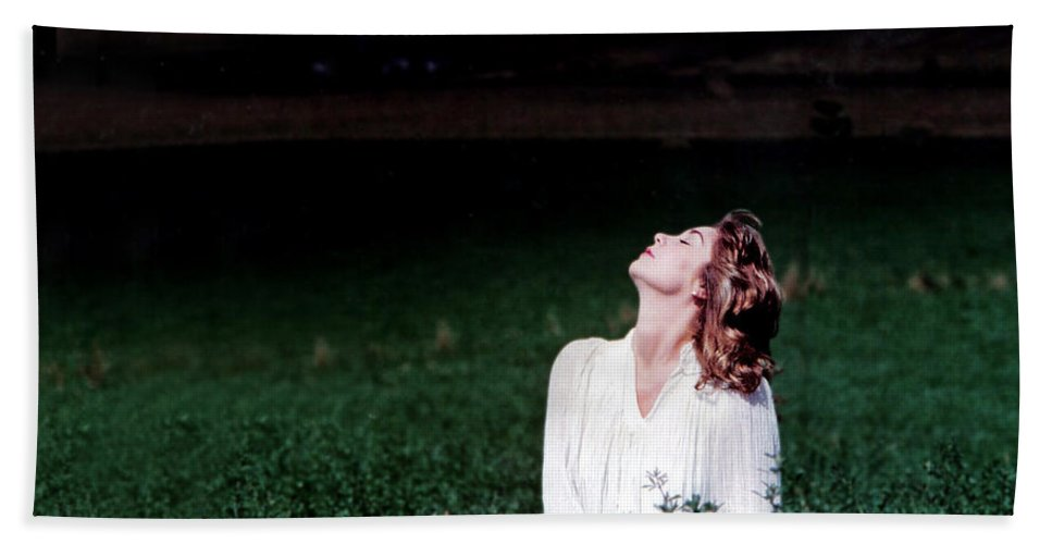 Woman Hand Towel featuring the photograph Field Of Dreams by D'Arcy Evans
