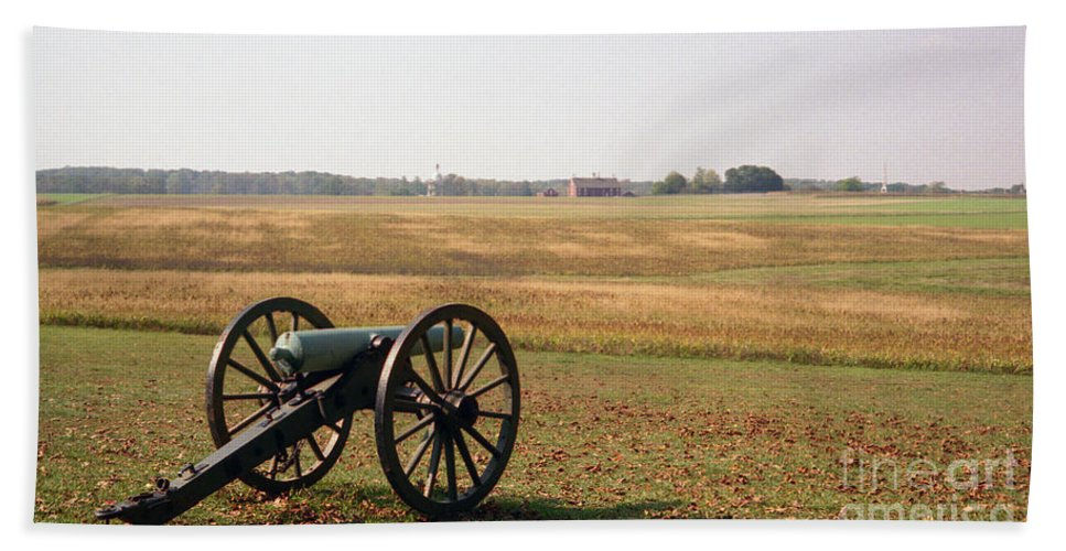 Civil War Hand Towel featuring the photograph Fields Of Death by Richard Rizzo