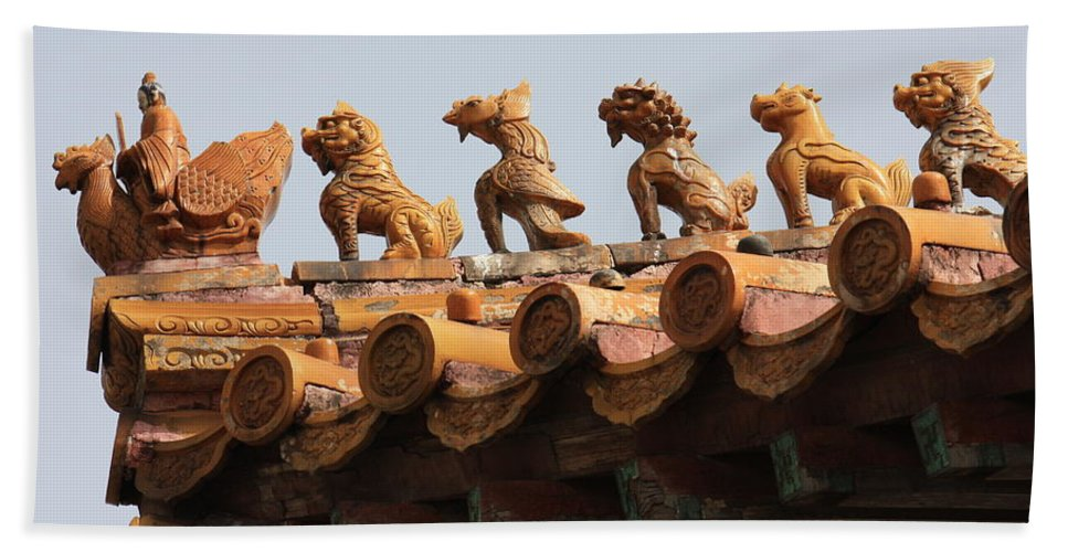Rooftop Guardians Hand Towel featuring the photograph Fierce Guardians Of The Forbidden City by Carol Groenen
