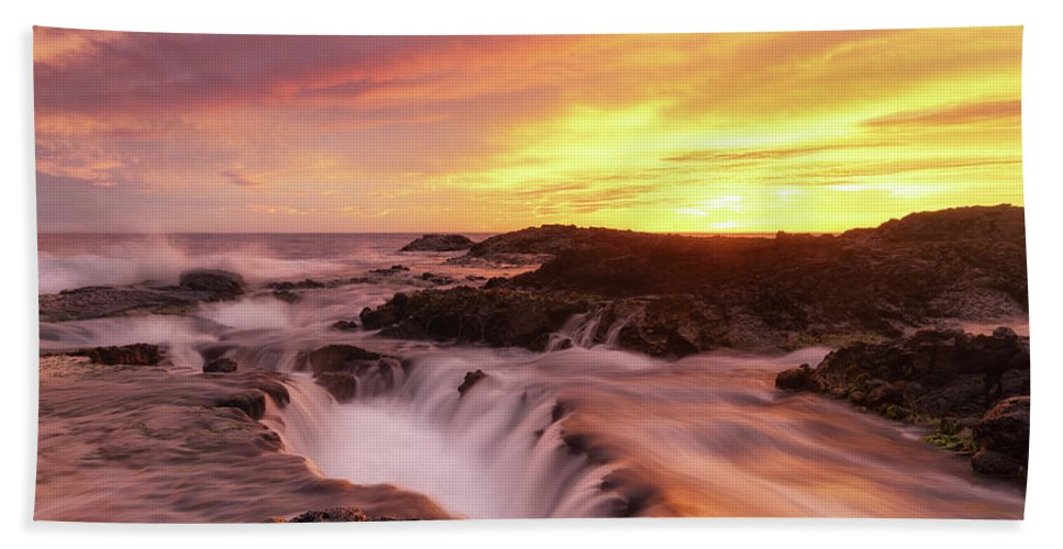 Hawaii Hand Towel featuring the photograph Fiery Sunset by Christopher Johnson