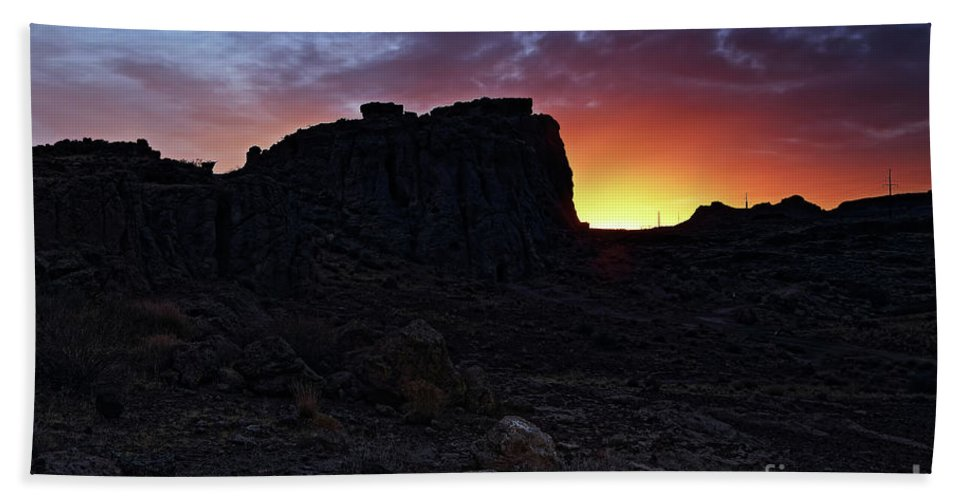 Nature Hand Towel featuring the photograph Fire Ball Sunset by Rick Mann