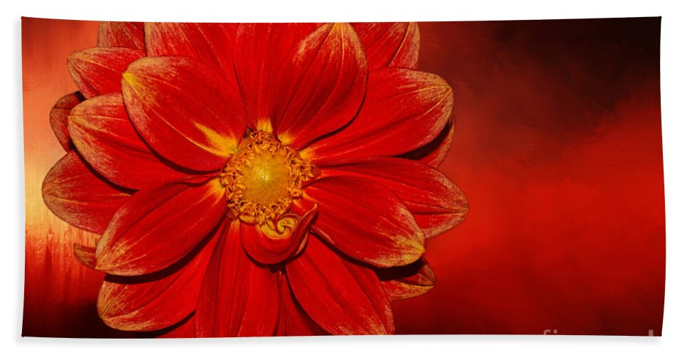Photography Hand Towel featuring the photograph Fire Dahlia By Kaye Menner by Kaye Menner