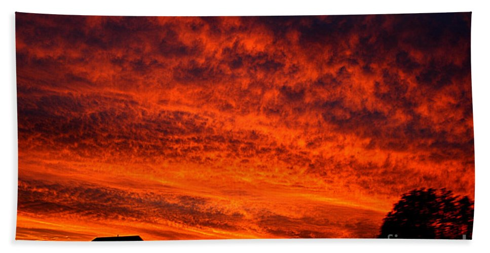 Clay Hand Towel featuring the photograph Fire In The Sky by Clayton Bruster