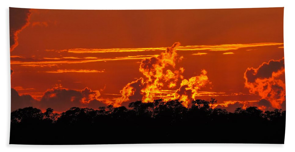 Sunset Hand Towel featuring the photograph Fire In The Sky by Marilee Noland